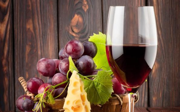 Wino Wedrowki Po Kuchni