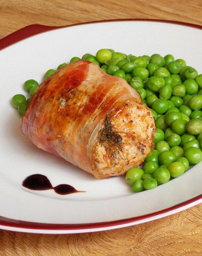 Aromatyczny kurczak otulony boczkiem