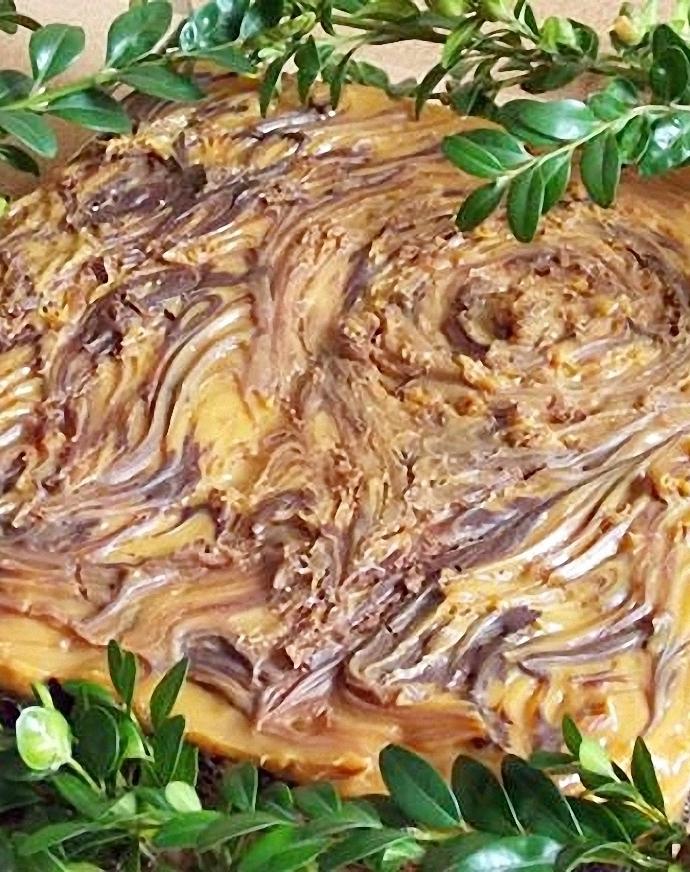 Mazurek makowo -kajmakowy