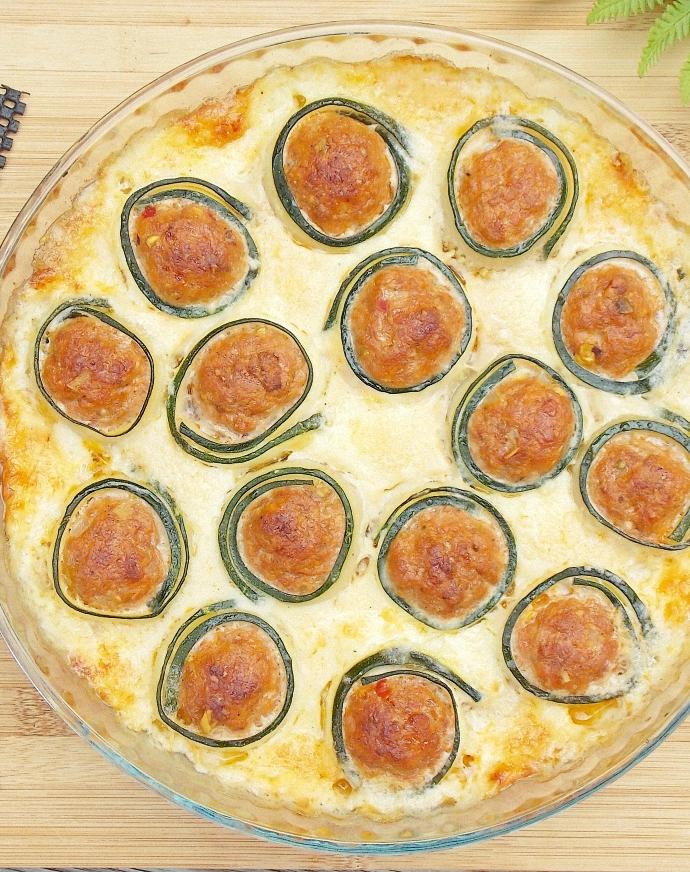 Zapiekane cannelloni z cukinii w sosie beszamelowym