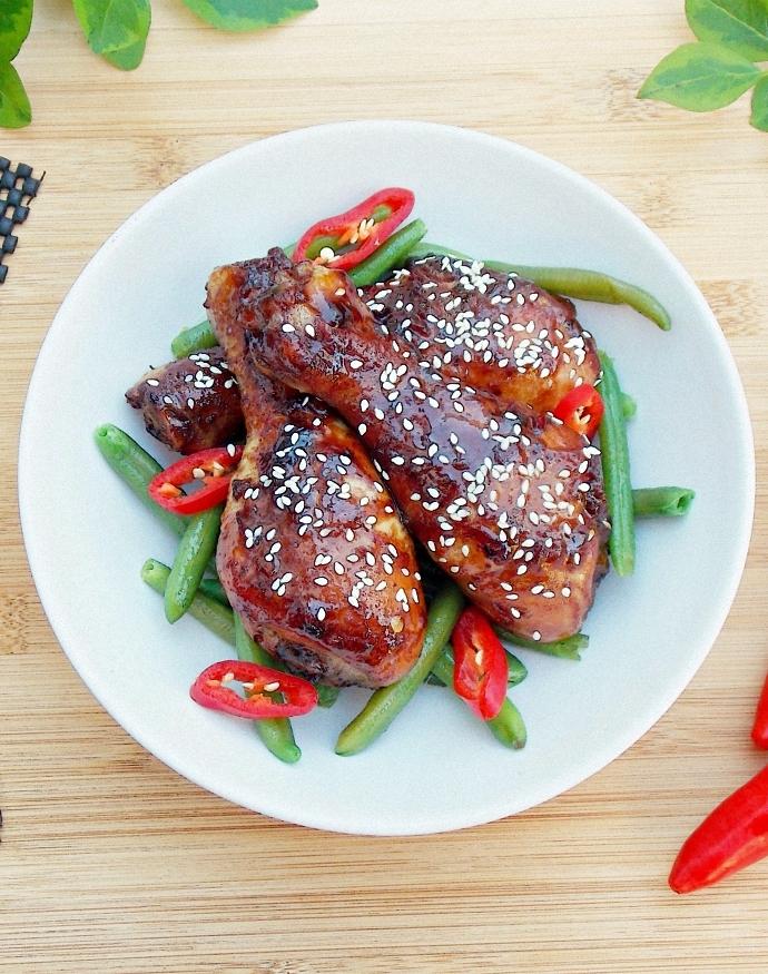 Kurczak w słodko-pikantnej glazurze z orientalną nutą