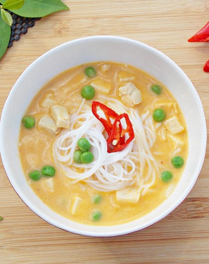 Tajska zupa dyniowa z kurczakiem