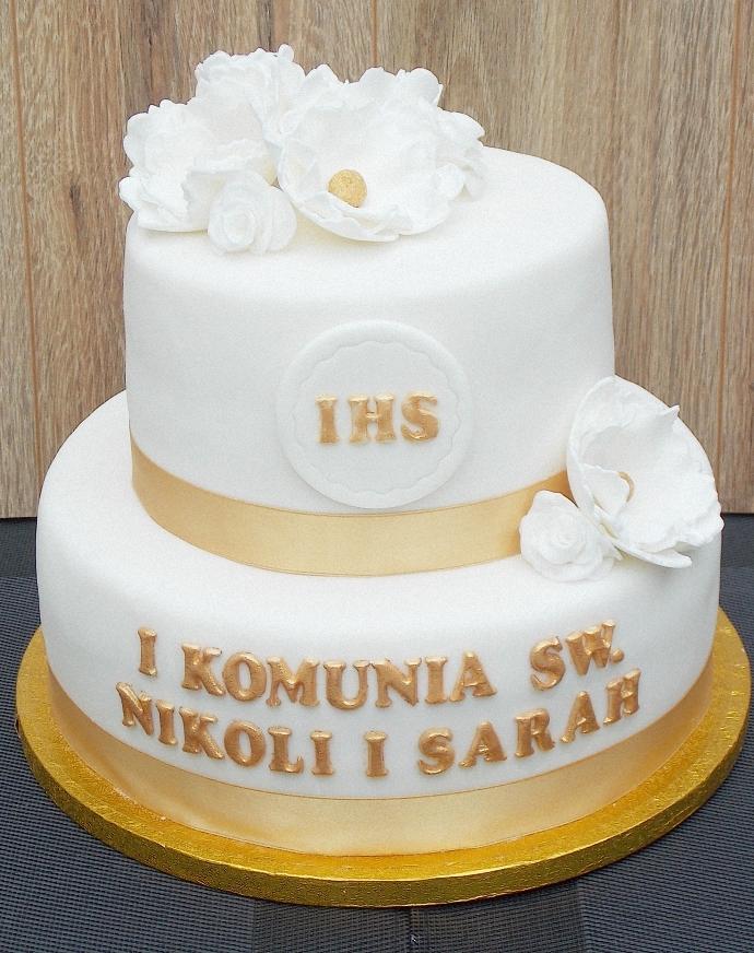 Piętrowy tort komunijny