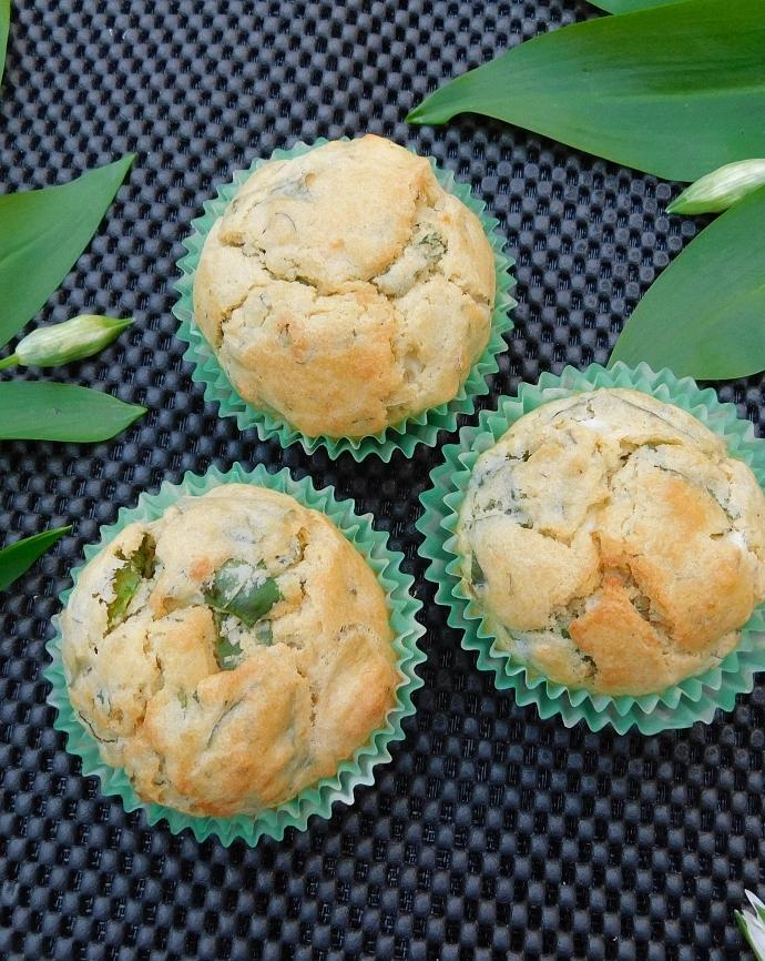 Muffiny z czosnkiem niedźwiedzim i fetą