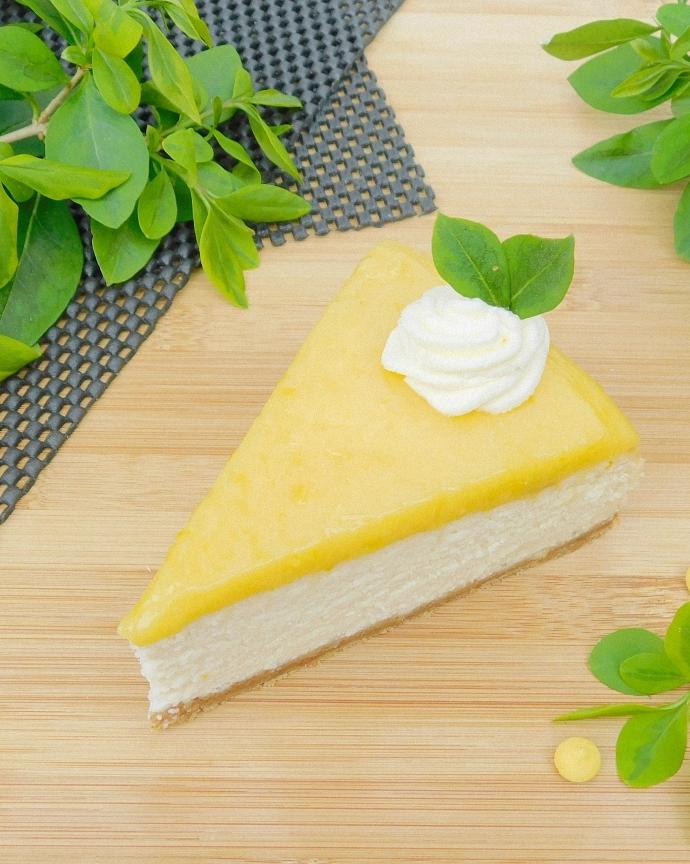 Sernik z białą czekoladą i lemon curd